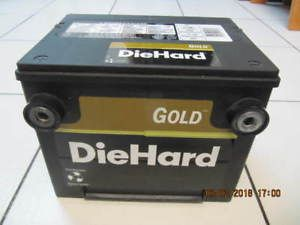 Classic Die Hard Gold Series 7000 860 CCA Side Post Battery Mint