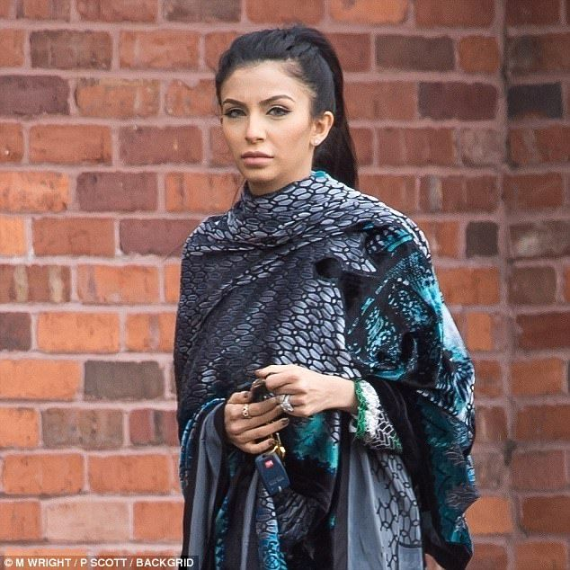 Pregnant Faryal Makhdoom covers her bump in conservative ensemble after Amir Khan dating with Brazilian model Bella Gusmao - HD Photos