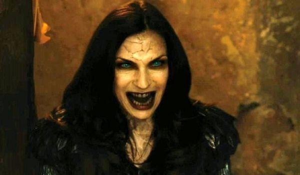 Фамке Янссен сыграла ведьму в кинофильме «Охотники на ведьм»