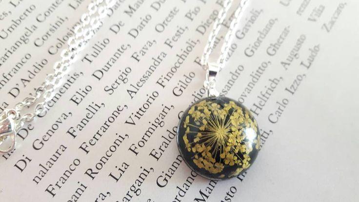 Collana reale del fiore, collana della resina, pressato fiore della resina, collana terrario, collana natura, fiore, collana botanico di ByMLjewellery su Etsy