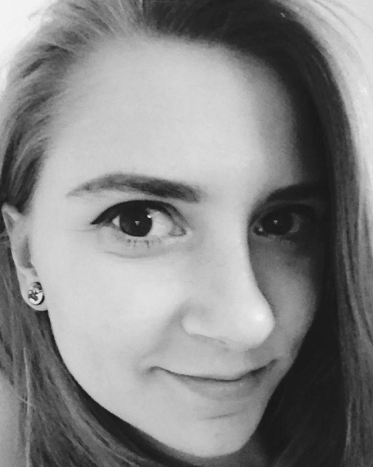 #sephora #wherebeautybeats #sephoramakeupstudio #eyebrows #needhelp #streetcom https://www.instagram.com/p/BHP3qbmjEuX/