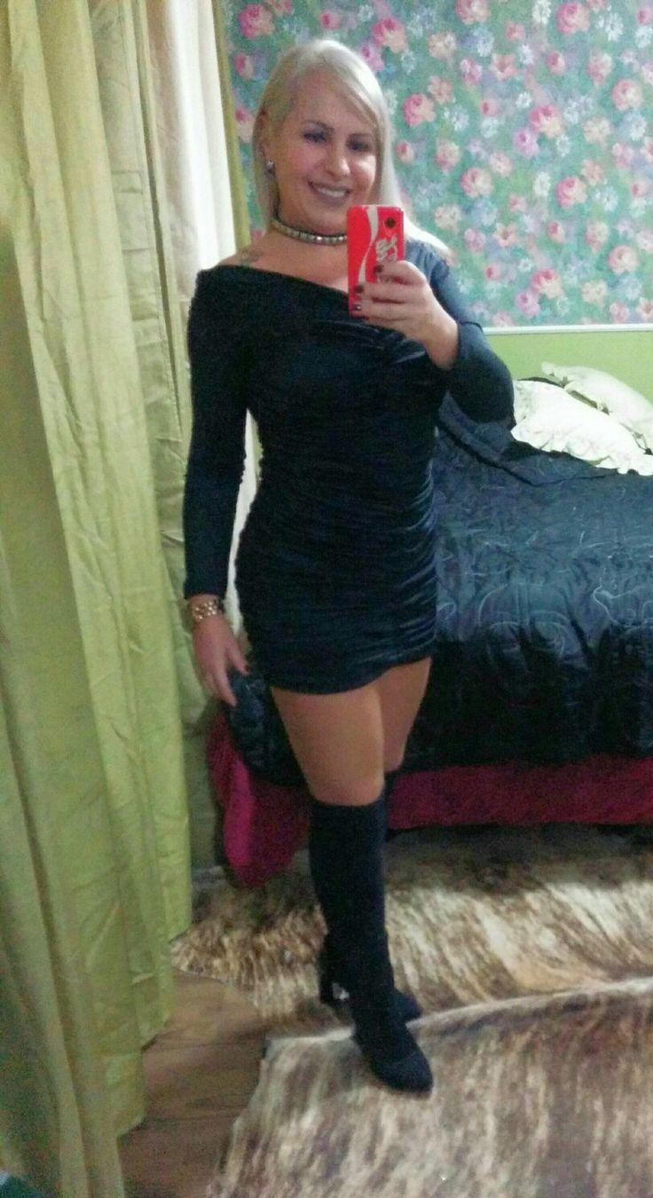Preto básico little black dress over the knee