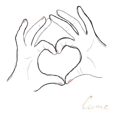 A nos grands-mères, qu'on aime du plus profond de notre coeur et à qui on doit tellement de plaisirs de notre vie : confidences, rires, câlins, vacances, cadeaux, gâteaux, recettes, amour, bien-être, remèdes, tartes aux pommes et spaghettis bolonaise (les meilleures de toute la Terre entière…) 💛 Vous êtes un élément indispensable à notre développement et notre bonheur 👵🏻 - Des milliers de bisous d'amour sur vous 💋