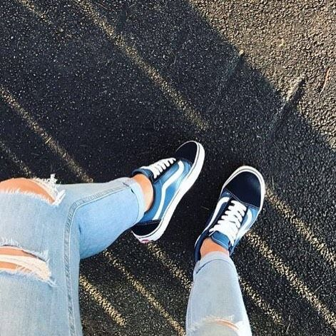 RG: @hazloynes feat our @vans Old Skool in Navy. #Shop straight from our bio. #regram #officeloves #offthewall