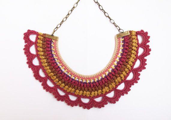 Rosa ganchillo collar joyería de textiles por laviniasboutique