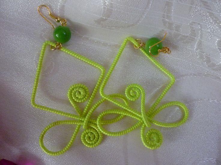Orecchini verdi in cordoncino