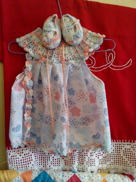 Vestido para bebé con detalle tejido en croché o crochet matizado ...