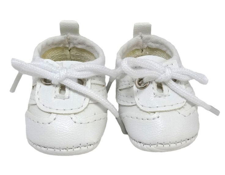 This great little sneaker is a perfect casual shoe for both boy and girl dolls and look great with shorts or jeans!