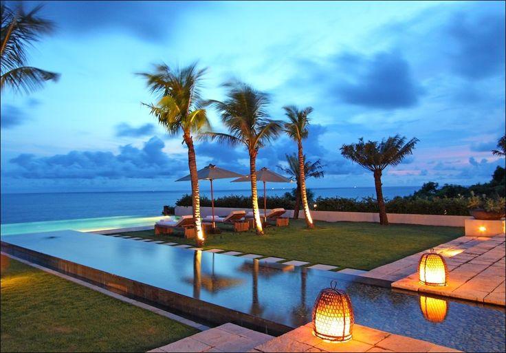 Beach Front villa in #Uluwatu http://www.balilocations.com/fr/villas/uluwatu/bvji804