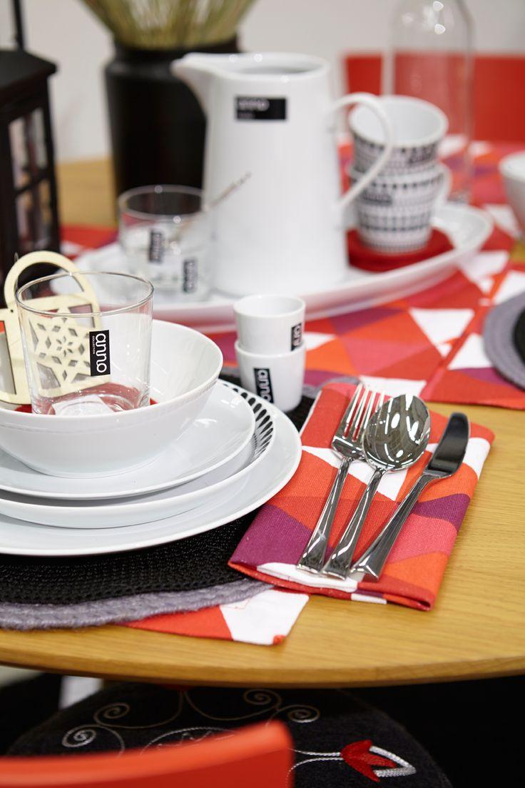#kodin1 #anno #joulu #kattaus #astiat #ruokailutila
