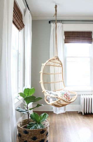 Best 25 hanging chair from ceiling ideas on pinterest for Hanging chair living room
