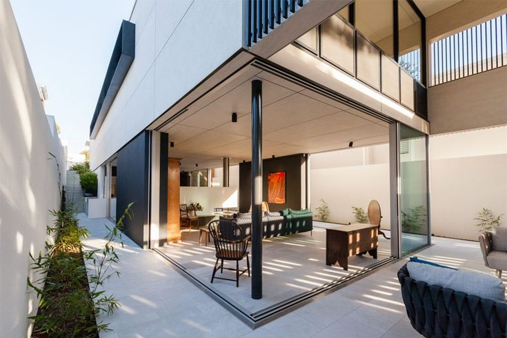 Inside Outside House, Cottesloe. New residential architecture by CSA Craig Steere Architects, Shenton Park, Western Australia.