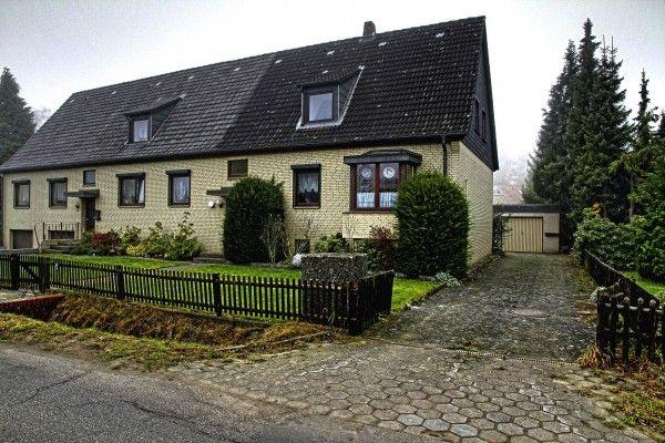 Doppelhaushälfte in Hamburg-Schnelsen, 128 qm Wohnfläche, 5 Zimmer / Ein Angebot der Hausmann Immobilien Beratung und Makler Hamburg + Norderstedt