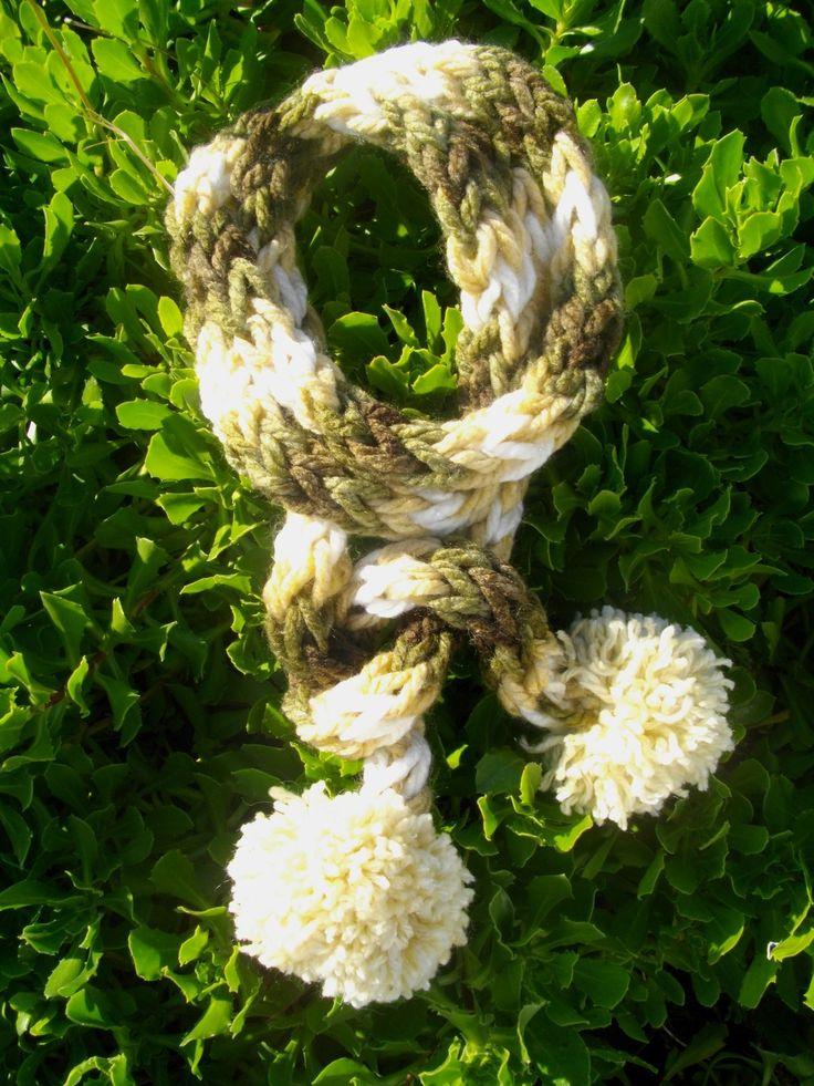 Écharpe Tricoté avec les doigts 2 mètres de long : Echarpe, foulard, cravate par atelier-g