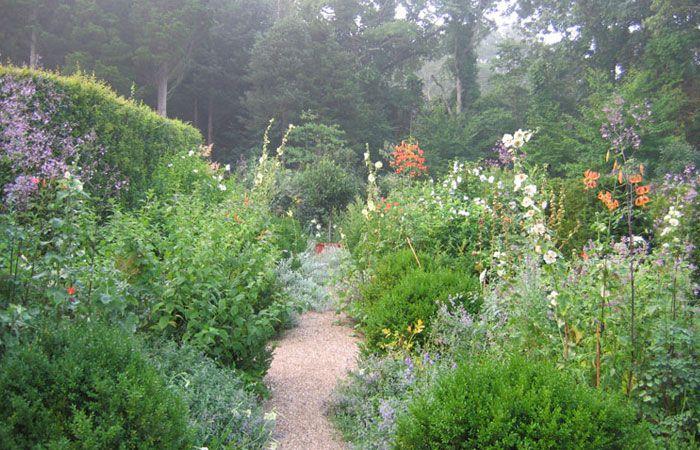 Deborah Nevins & Associates. Charming traditional garden design.