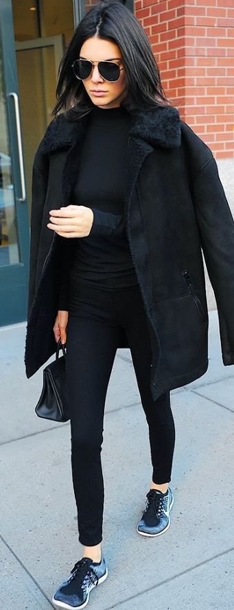 Who What Wear -  Kendall Jenner - Total Black Sporty Celebrity Style Inspo