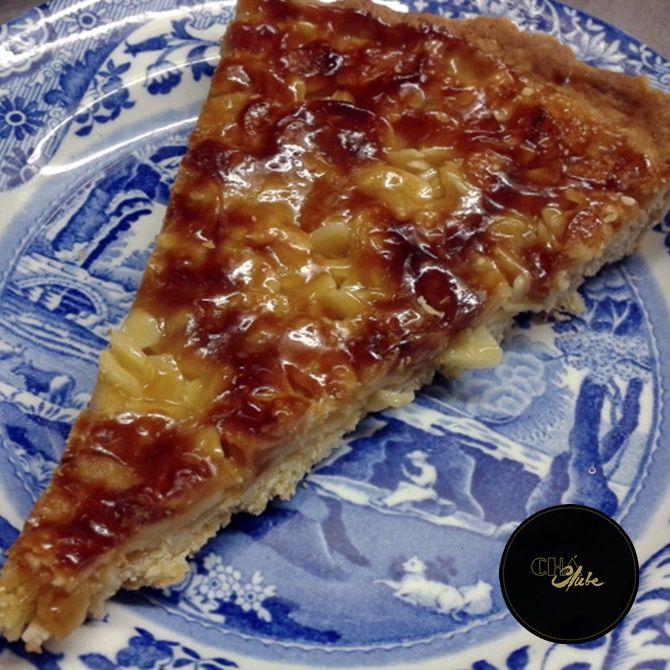 Deliciosa tarde de amêndoa. Almond pie. Delicious almond tart.