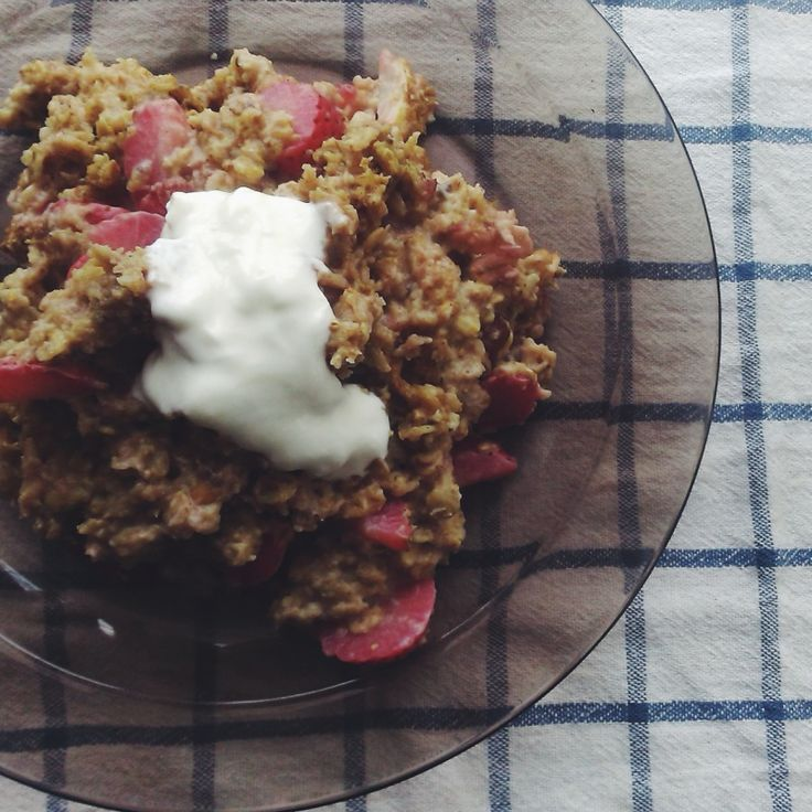 Another yummy picture of my breakie. I tried baked oats for the first time and all I can say is that it was heaven in mouth! | janasliacka | VSCO Grid