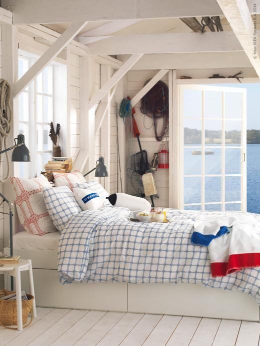 Marina textilierna LISEL är inspirerade av den svenska sommaren och miljöerna kring västkusten.