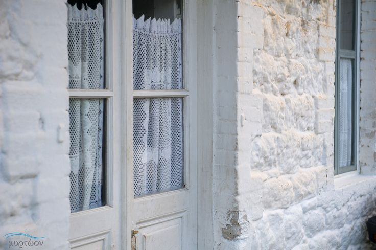 Στα Πούλιθρα η ομορφιά κρύβεται στην απλότητα. Beauty lies in simplicity at Poúlithra, Greece www.myrtoon.gr   #Myrtoon #Poulithra #Leonidio #Greece #traditional #house Photo © Vicky Lafazani