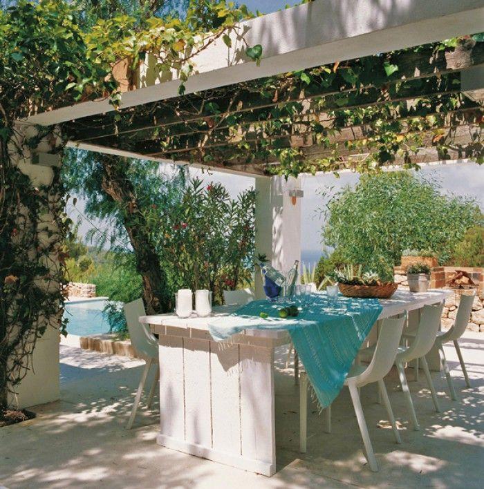 Tuin ibiza style turqoise zithoek voor in de tuin