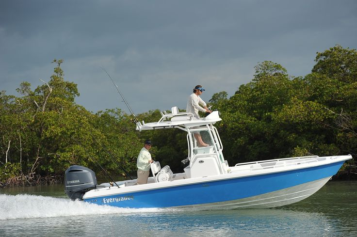 Everglades 243 CC center console fishing boat