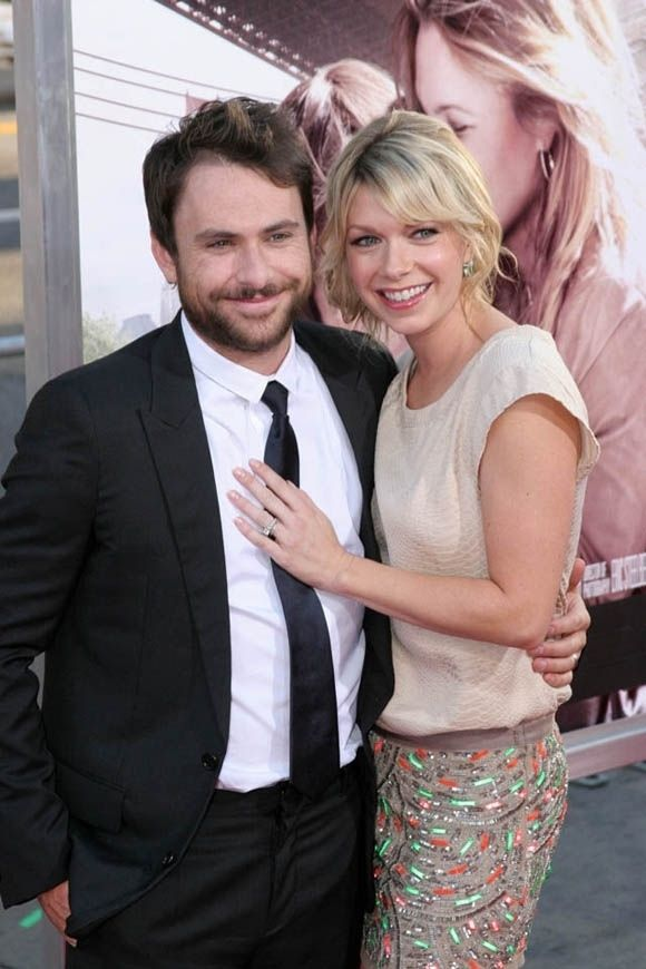 """Charlie and the waitress from """"It's Always Sunny in Philadelphia"""" are married in real life… This whole thing made me smile!"""