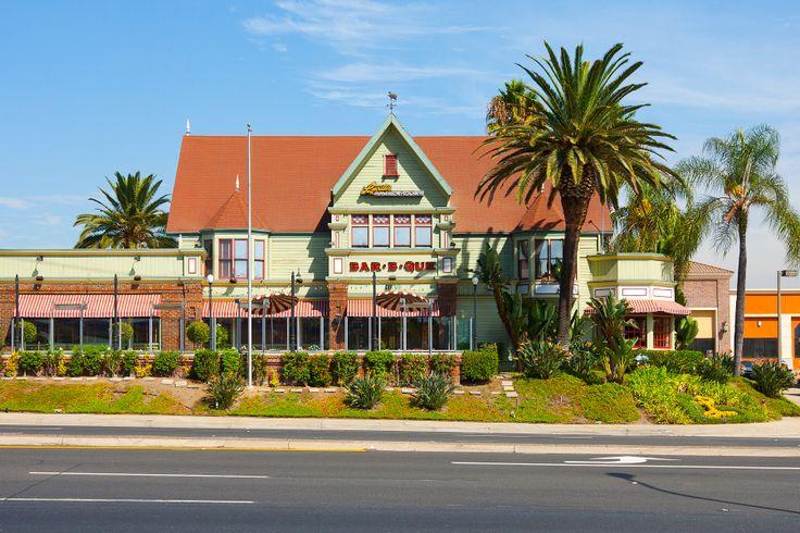 Lucilles Long Beach Town Center