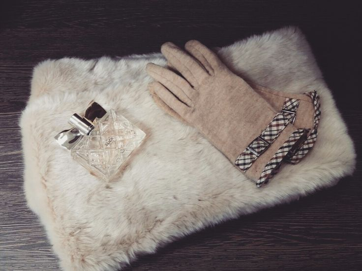 my favourites #winter #accessories #gloves #furryscarf