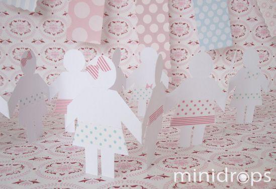 kostenlose Bastelvorlage für eine Papiergirlande/ Free Printable - Paper Doll Garland