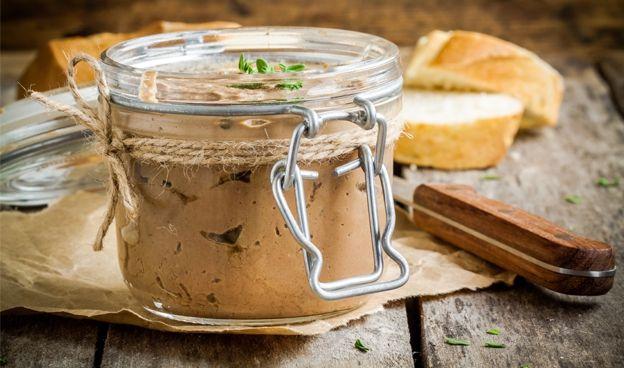 Les 188 meilleures images propos de recettes pates terrines sur pinterest - Faire son foie gras en bocaux ...