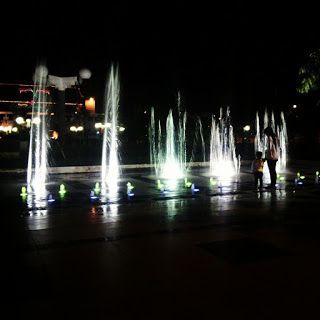Pandu Aji Wirawan Blog: Air Mancur Balai Kota Surabaya