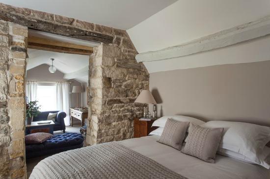 Winchcombe, UK: The Lion Inn - Room 7 (Suite)
