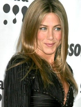 Jennifer Aniston nose job after