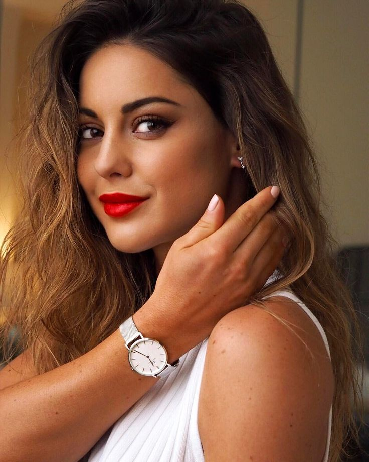 "2,849 Likes, 14 Comments - Louise Thompson (@louise.thompson) on Instagram: ""My new favourite from Daniel Wellington, the Classic Petite collection Check out the new styles…"""