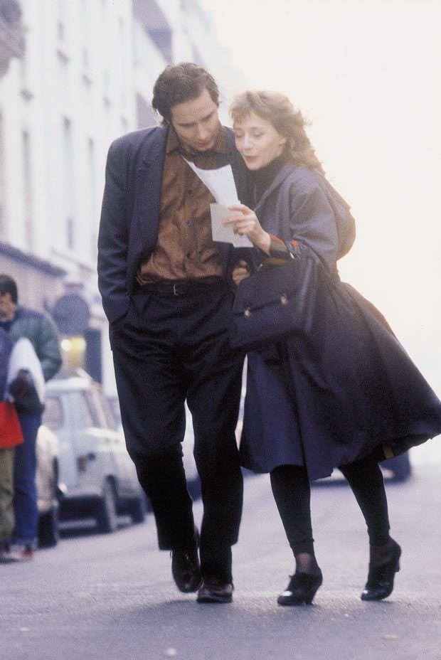 """Hippolyte Girardot, Mireille Perrier dans """"Un monde sans pitié"""" (Eric Rochant, 1989)"""