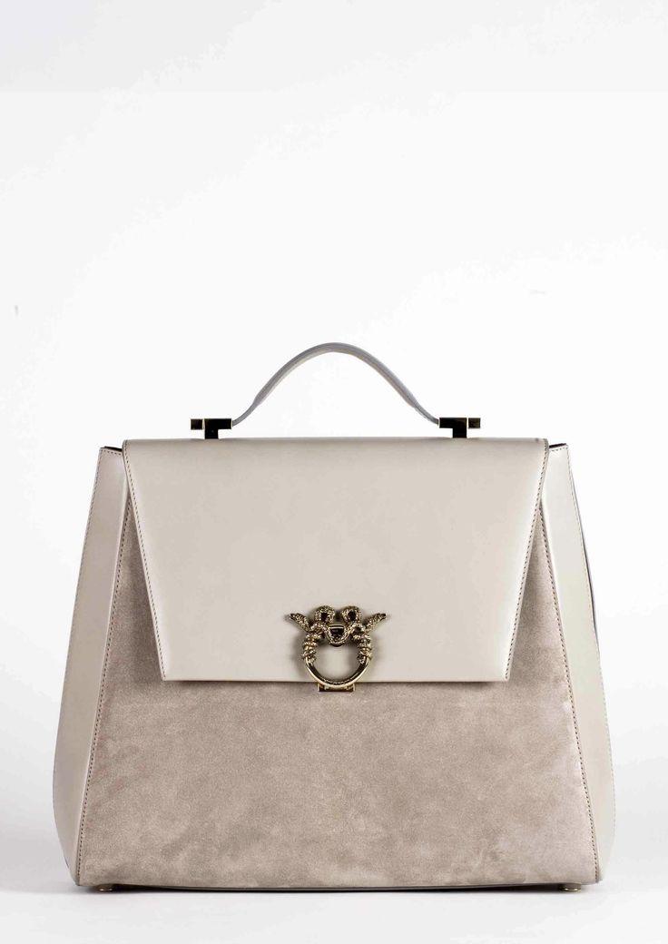 "MAGRÌ ""WORLD TRAVELER"" shown in calf and suede  #magri_handbags #magri #craftedinflorence #italianstyle #TimelessElegance #Sophisticated #MadeInItaly #italianCraftmanship #ItalianGlamour #luxuryHandbags #Handbags #powerbags #magribag @magriofficial #gentlemanclub #etabetapr #magripress www.magri.com"