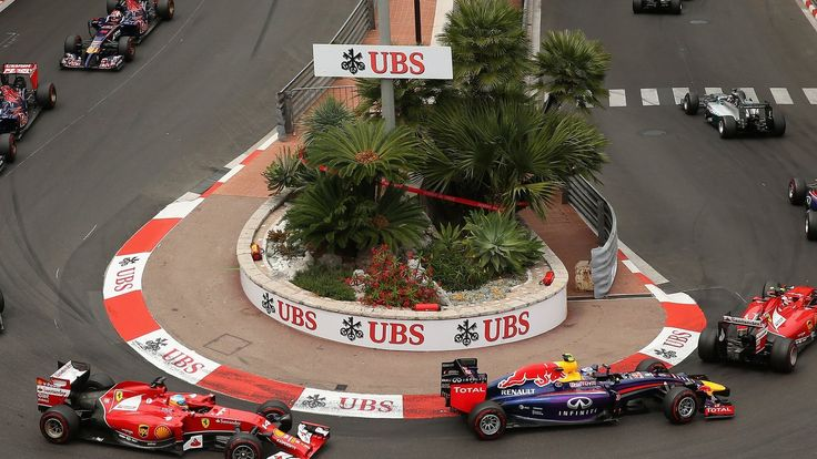 Formula 1: European Commission rejects call for inquiry    The European Commission rejects a call from hundreds of Euro MPs to investigate the takeover of Formula 1 by Liberty Media.   http://www.bbc.co.uk/sport/formula1/39108841