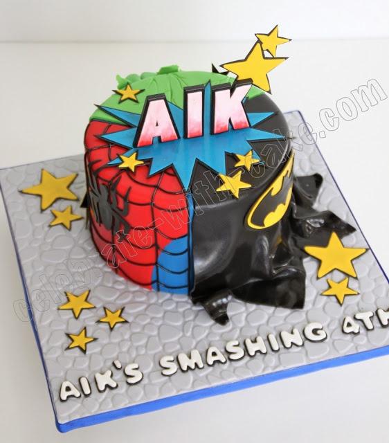 LOVE this for the boys' superhero cake!