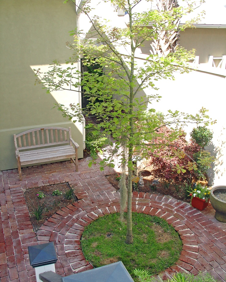 The Rear Courtyards Of The Habersham Townhomes Have As