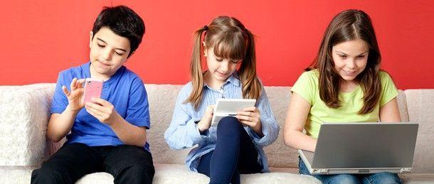 """""""Sicurezza online dei minori: 9 consigli pratici""""  Siamo consapevoli di come i nostri figli utilizzano #Internet? E' noto che l'80% di loro lo usa per comunicare e oltre il 18% per conoscere persone nuove? Quali sono i pericoli per loro? I ragazzi di oggi sono #natividigitali, ma noi genitori forse non siamo proprio così tech-savvy..."""
