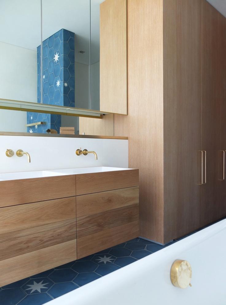 Double Bay House Bathroom