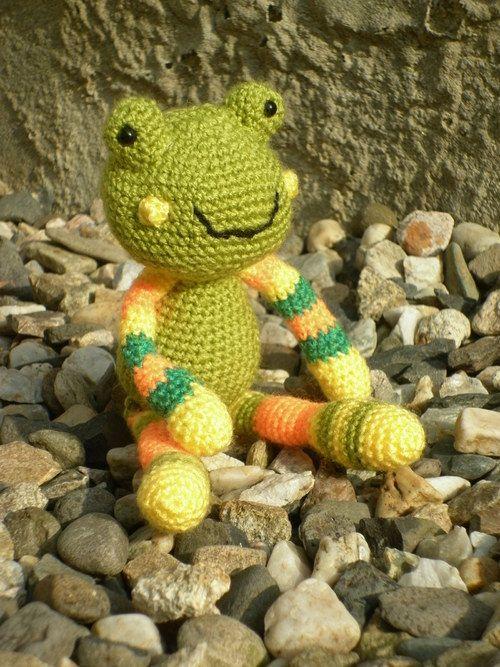 Háčkovaná žabka Františka - hračky na zakázku