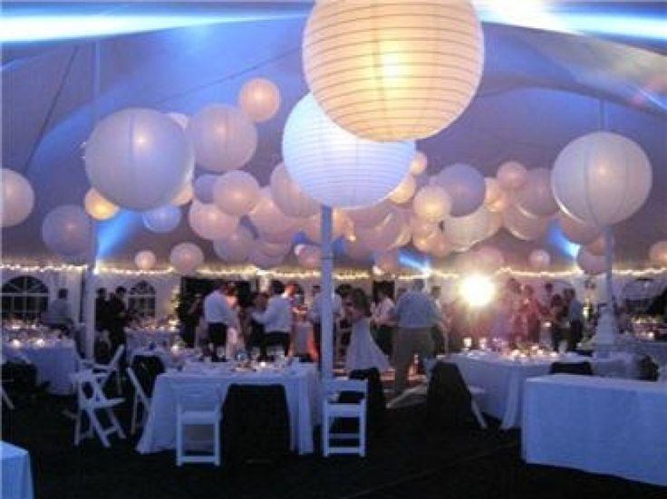 led verlichte witte lampionnen. Sfeervolle decoratie voor je huwelijksfeest met een witte lampion. Lampion voor aankleding bruiloft