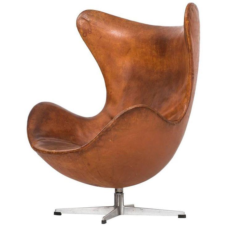 Arne Jacobsen Early Egg Chair by Fritz Hansen in Denmark