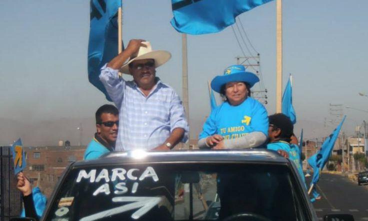 AREQUIPA. Vecinos caymeños denunciaron a candidato Jaime Chávez por repartir fósforos y desayunos a escolares http://hbanoticias.com/10600