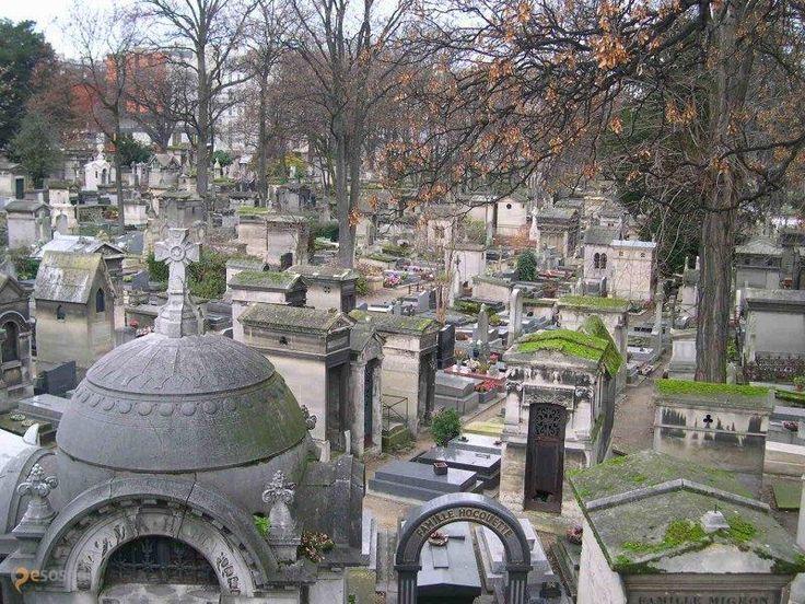 Кладбище Монмартр – #Франция #Иль_де_Франс #Париж (#FR_J) Разные захоронения, есть и знаменитости  ↳ http://ru.esosedi.org/FR/J/1000239850/kladbische_monmartr/