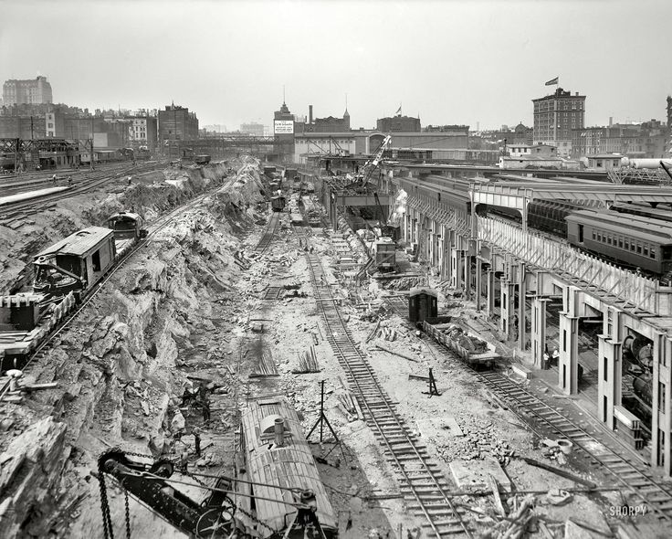 a history of the grand central station in new york city Grand central terminal, 1944 (courtesy of the museum of the city of new york) update: more grand central behind-the-scenes here did you know that when you see a grand central train platform in a.