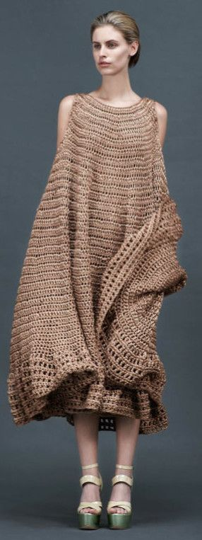 Alexander Lewis for Resort 2013. CROCHET AND KNIT INSPIRATION: http://pinterest.com/gigibrazil/crochet-and-knitting-lovers/