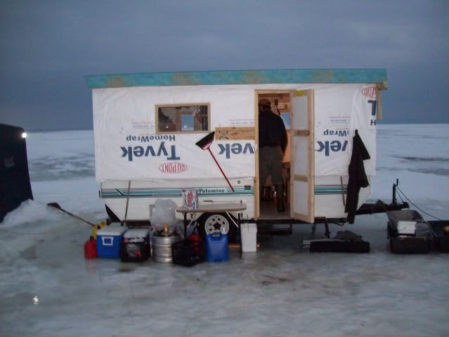 62 best images about pop up camper on pinterest for Aaa fish house